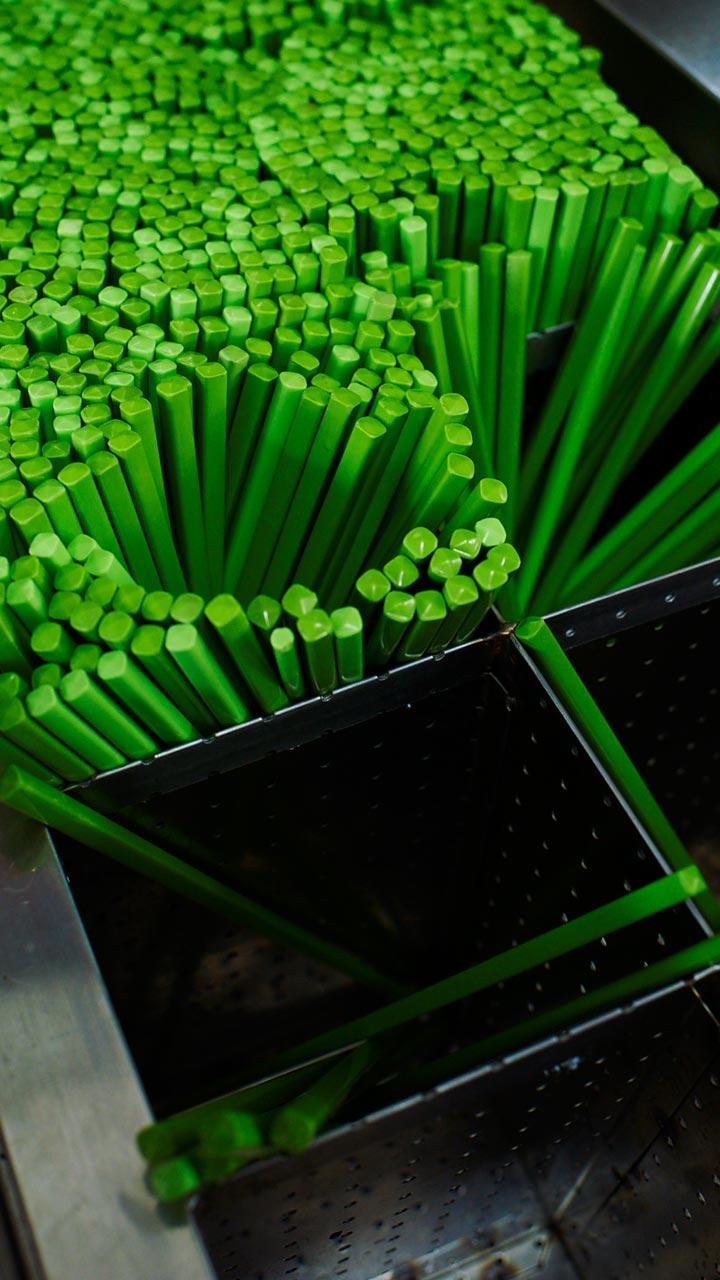 诺基亚925美女壁纸_谁有lumia的wp8.1自带内置壁纸的一张绿色筷子的壁纸背景_百度知道