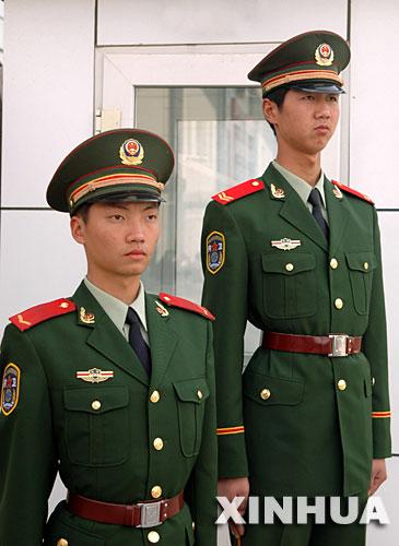 07武警春秋常服图片_武警新军服和陆军的有什么不同_百度知道