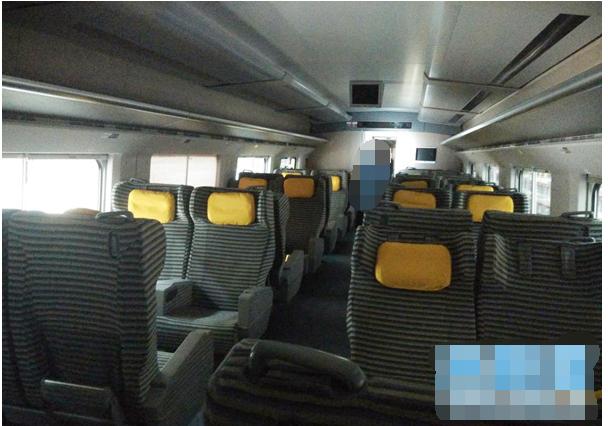 动车组一等座座位_d2208次列车的一等座是什么样的_百度知道