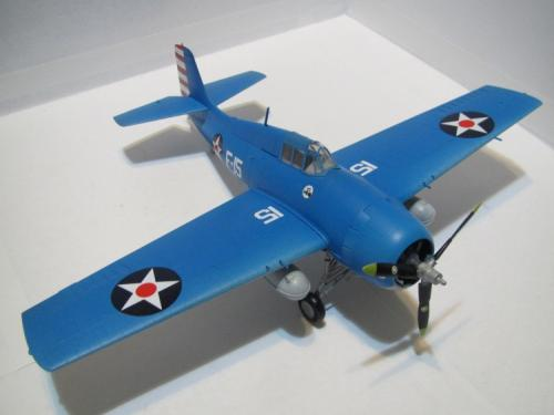 q版飞机纸模_怎样用硬纸板制作一个能飞的飞机模型_百度知道
