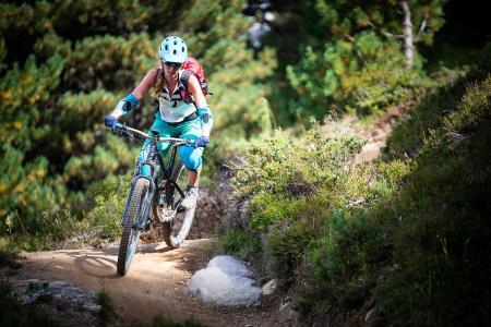 山地自行车游戏下载_有个PS上的山地自行车速降游戏,它的名字是?下载地址?_百度知道