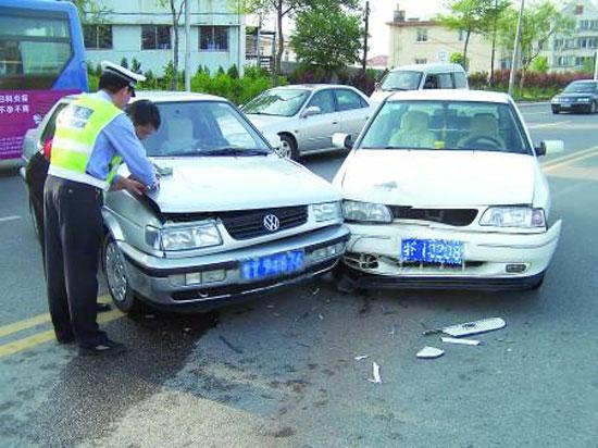 车辆追尾事故怎么处理