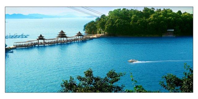 万绿湖风景区位于广东省河源市引东源县新港镇境内,是国家aaaa级景区