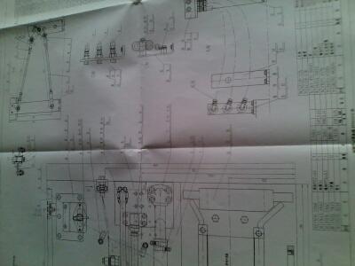 装配钳工中级�zh�_哪位专家能解析一下,这个有关钳工的图纸(装配钳工)很多地方不明白,望