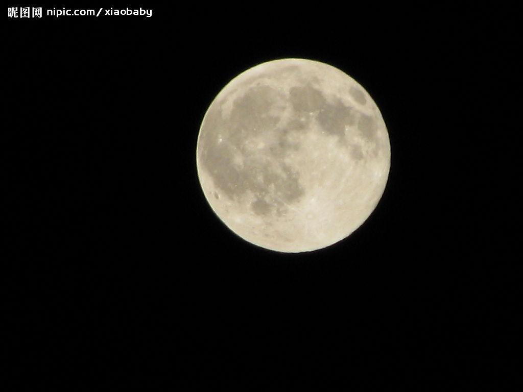 我看见了美丽月亮_我发誓我刚才看到了外星人飞船UFO了,速度非常快,有时会闪几下
