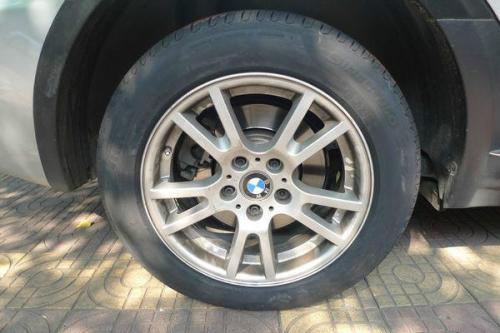 宝马x6原配轮胎_宝马X3轮胎是什么规格的?_百度知道