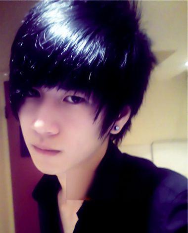 男生最流行的发型_七款最流行的男士发型让你瞬间提升魅力
