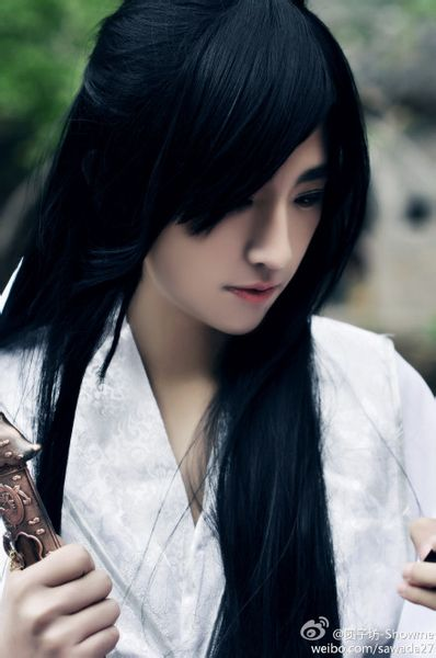 china小骨头是谁2015_cosplay中的花千骨白子画是谁演的_百度知道