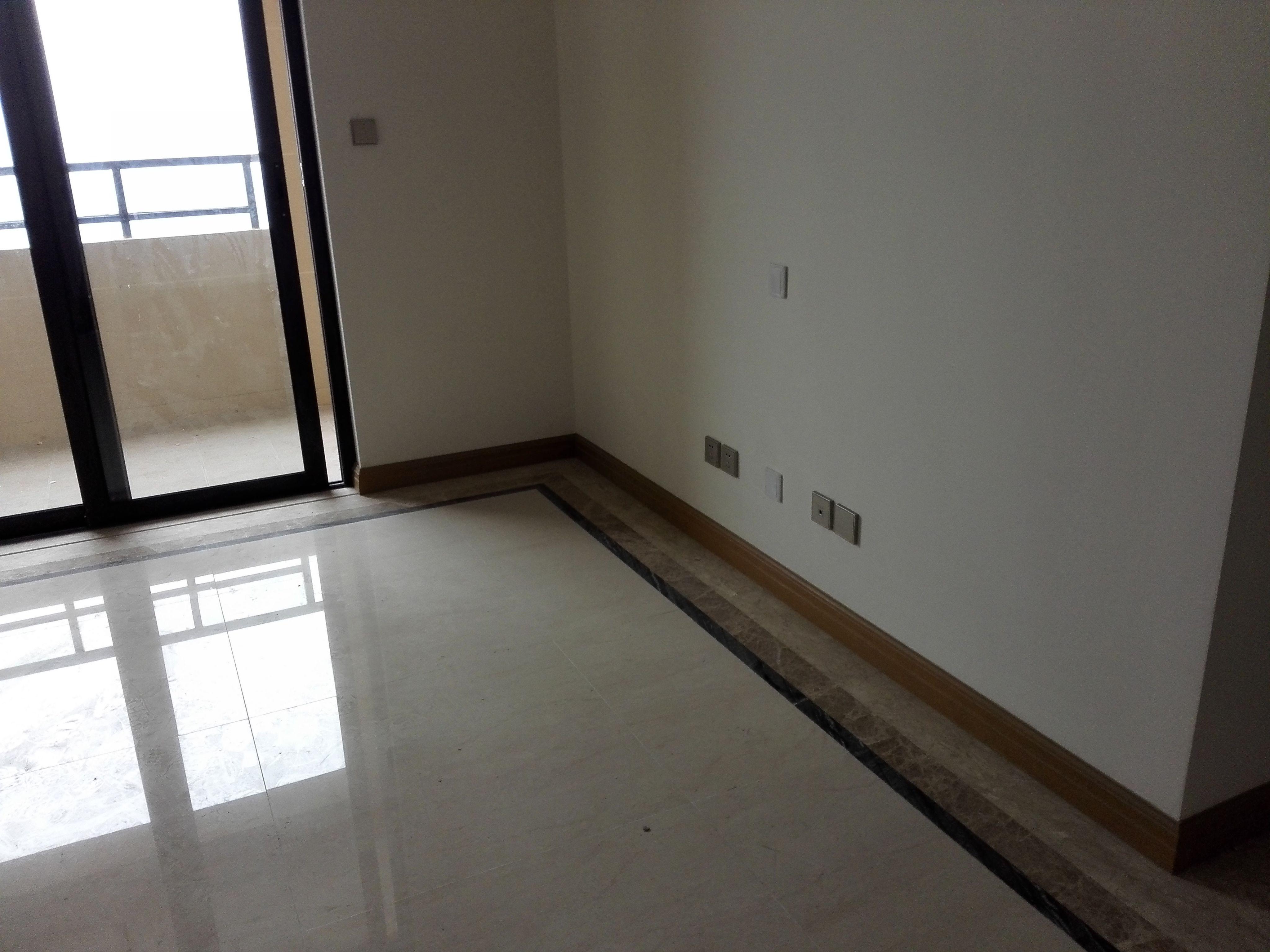 淺色客廳地板選擇什么顏色家具搭配
