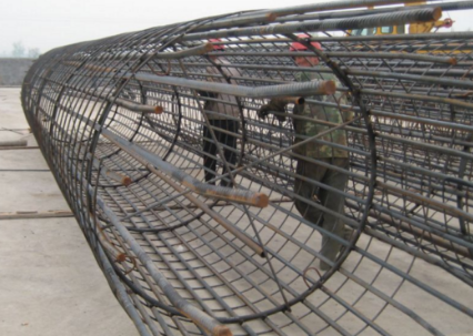 钢筋笼照片_钻孔灌注桩钢筋笼吊筋长度是怎样计算的?_百度知道