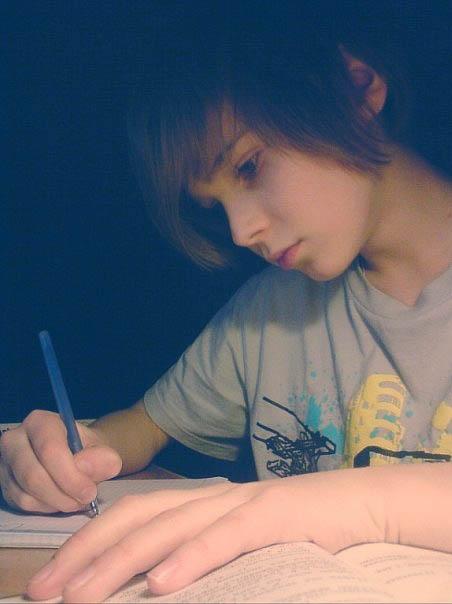 求14 16岁帅哥的照片,要百度上搜不到的,图片