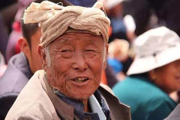 什么方法可以预防老年斑?