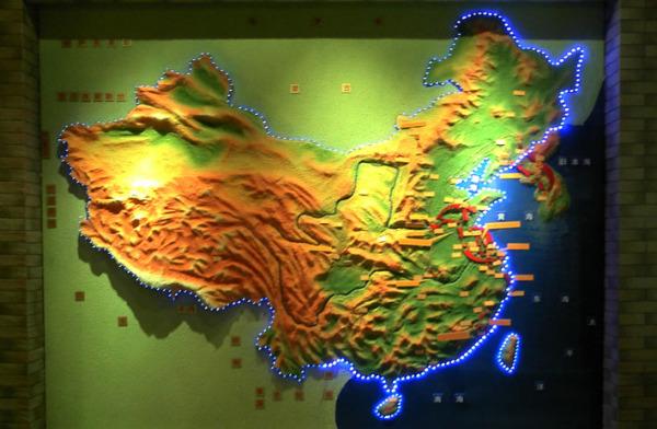 中国地理三大阶梯图_中国地形图_百度知道