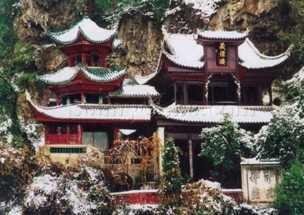 去西江千户苗寨的旅游攻略是什么?