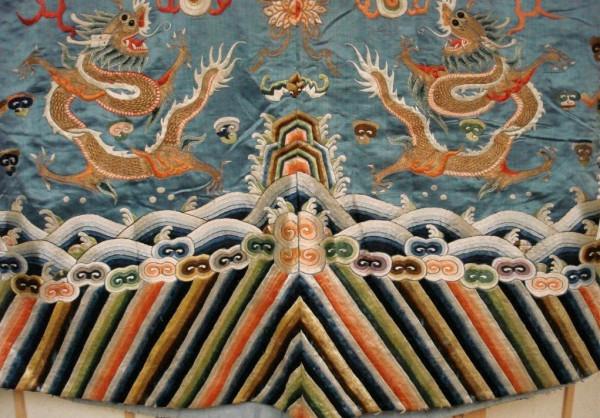 古代只有天子可以穿龙袍,为什么包拯也能穿龙袍?