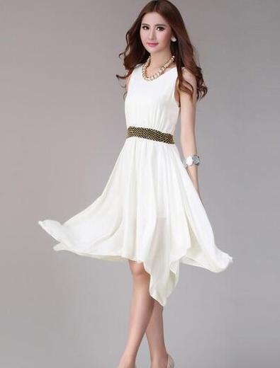 白色裙子怎么搭配_白色短纱裙怎么搭配上衣?_百度知道