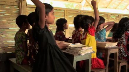 孟加拉人为什么在水里上学?