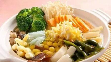 """每逢佳节胖三斤,节后减肥你最需要的是饮食加""""素""""!的头图"""