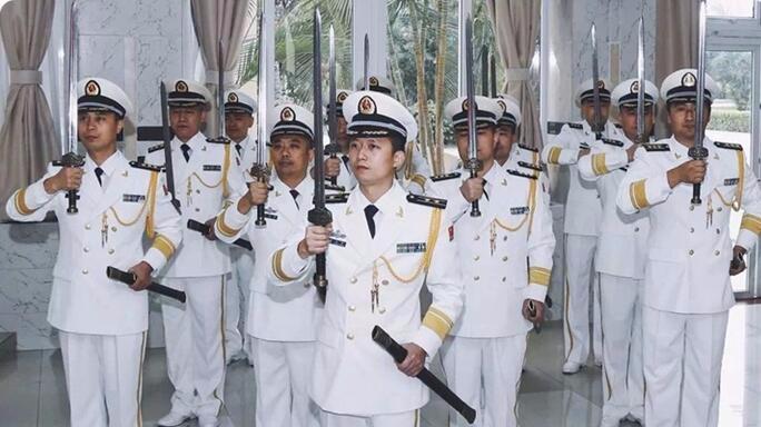 盘点我军三款佩剑,海军配宝剑太违和?的头图