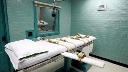 如何评价因找不到血管而躲过死刑这一事件?的头图