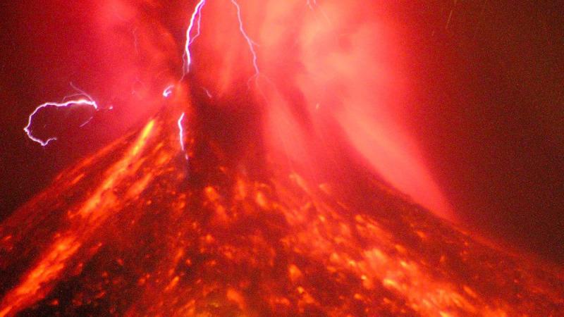 什么是超级火山?哪里曾经出现过超级火山爆发?的头图