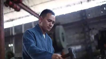 传承千年的中国剑魂!匠心铸剑二十余载,他制作的剑深受金庸喜爱