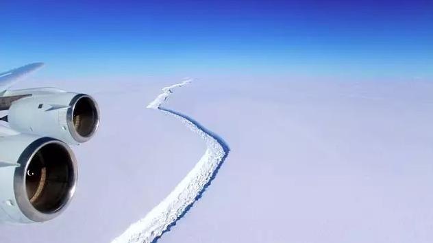 """""""史上最大冰山脱离南极冰架"""",这冰山是什么?"""