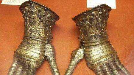 欧洲人打战都用铁手套,为什么中国铠甲却缺乏手部防护?