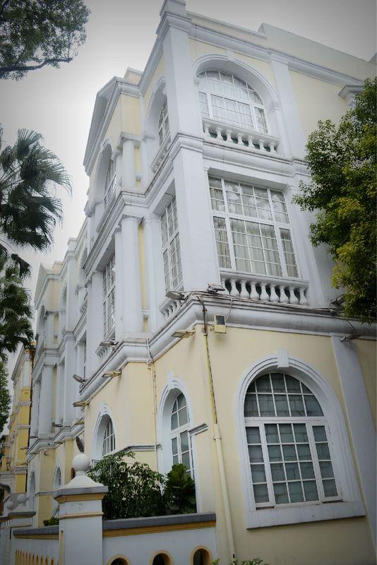 白色房子圖片