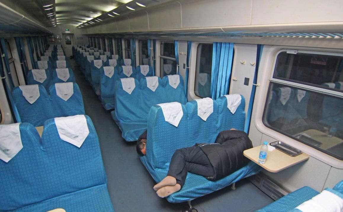 硬座硬卧软卧图片_亲们有特快火车硬卧和硬座的图片嘛 我想看看_百度知道
