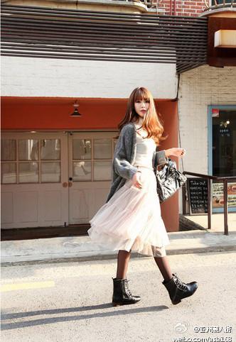 马丁靴搭配_马丁靴如何搭配裙子_百度知道