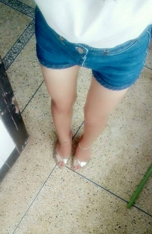 女生裤子裆部卫生巾_为什么有些女生,裆部那里穿了裤子,感觉高出来一块_百度知道