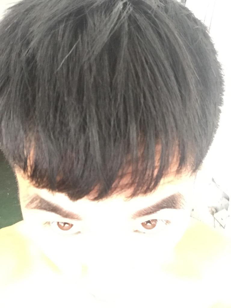 一个男生经常扯我头发 男生扯女生头发