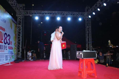 黄金分割点手机_为什么说节目主持人报幕不能站在舞台的中央,而应站在舞台 ...