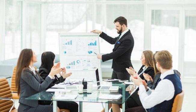 小型企业财务部构架