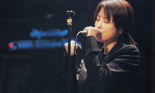 武艺唱过哪些歌_坂井泉水(ZARD)为《名侦探柯南》唱过哪些歌?_百度知道