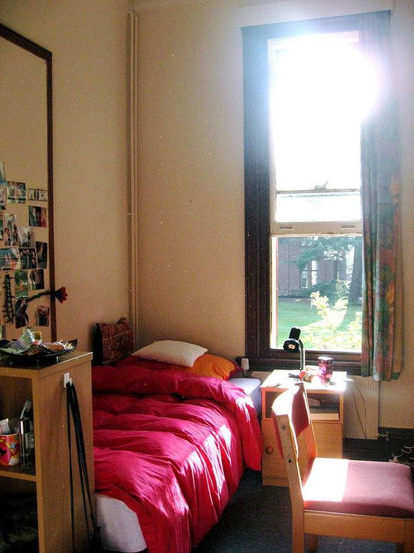 英国剑桥牛津大学宿舍怎么样? 图片 百度知道
