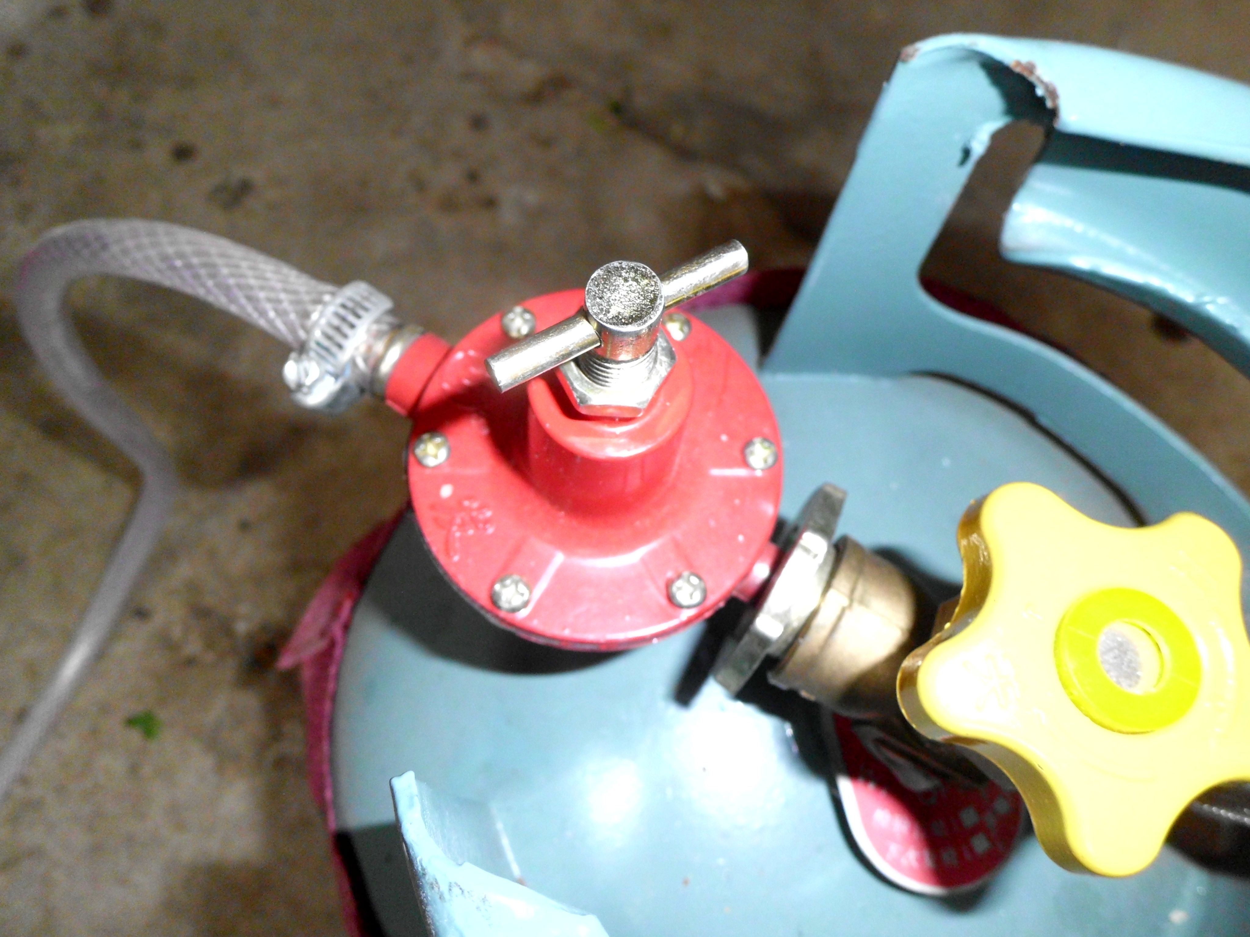 煤气阀门减压阀_煤气罐打不开!发现是这个阀门的原因,怎么拧都不通气!求 ...