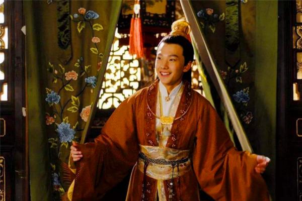 红楼梦中,二十三岁的傅秋芳,为什么会被嫁给小八岁的贾宝玉?