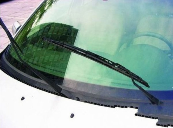 教练车雨刮器图解_日产天籁雨刮器怎么拆卸,新天籁雨刮器安装图解_百度知道