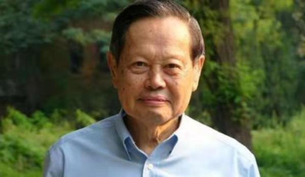 我国的物理学家杨振宁到底有多厉害?