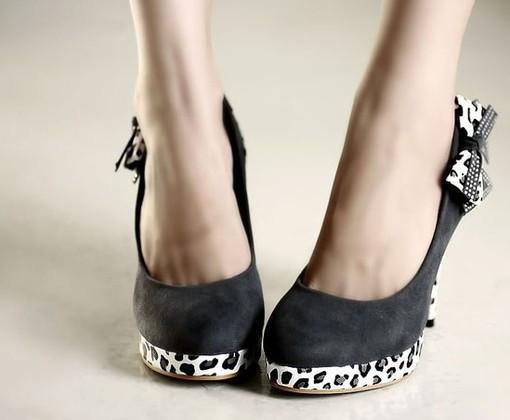 最漂亮的高跟鞋_细高跟鞋才是最漂亮的高跟鞋,穿着这样的高跟鞋出街