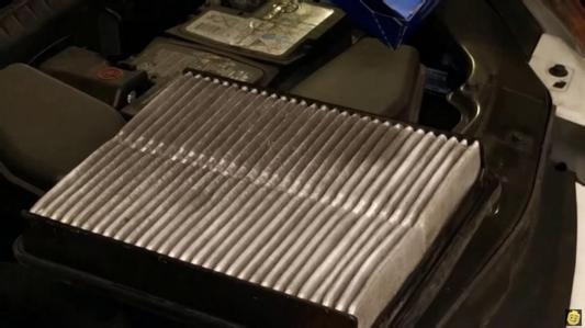 空气滤清器多久更换或多少公里更换?