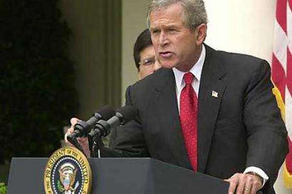 伊拉克前总统萨达姆在被执行绞刑前提了三个要求,他提了哪三个呢?