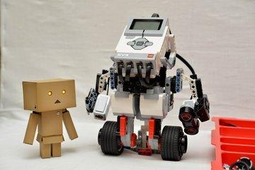 乐高机器人是个什么课程,适合多大孩子学习?