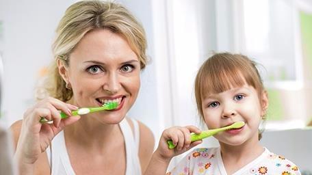 刷牙刷不到的地方肿么办?别忘了这两个小工具!