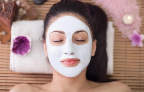 敷面膜的正确步骤_敷面膜泥的正确步骤泥状面膜最正确的做法_美容护肤知识大全