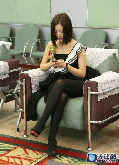 操黑丝袜老婆免费视频_求姚贝娜丝袜高清大图,贝迷,勿黑