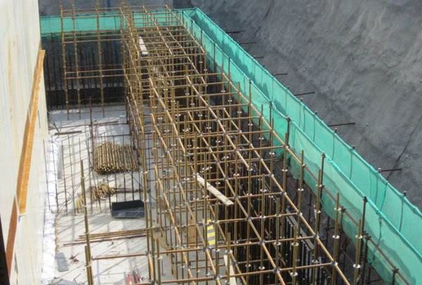 外脚手架连墙件规范_建筑施工外脚手架设置连墙件间距多大_百度知道