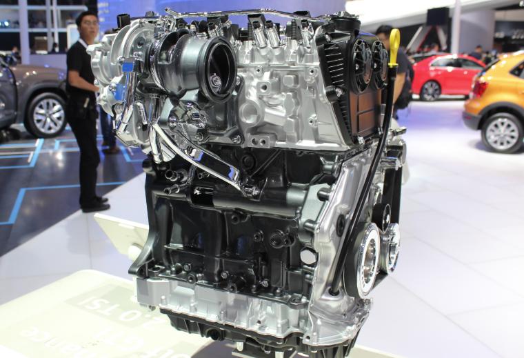 涡轮的作用_汽车的涡轮增压器一般装在哪?_百度知道